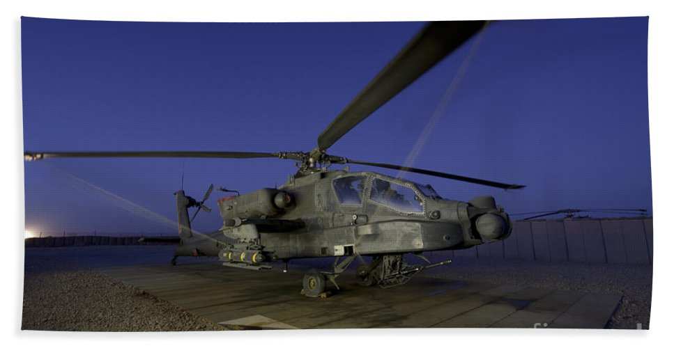 Army Hand Towel featuring the photograph A U.s. Army Ah-64d Apache Helicopter by Stocktrek Images