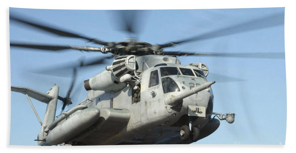 Adults Only Bath Sheet featuring the photograph A U.s. Marine Corps Ch-53e Super by Stocktrek Images
