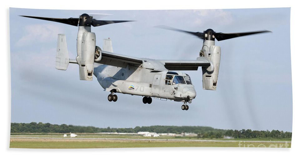 Environment Hand Towel featuring the photograph A U.s. Marine Corps Mv-22 Osprey Lifts by Stocktrek Images