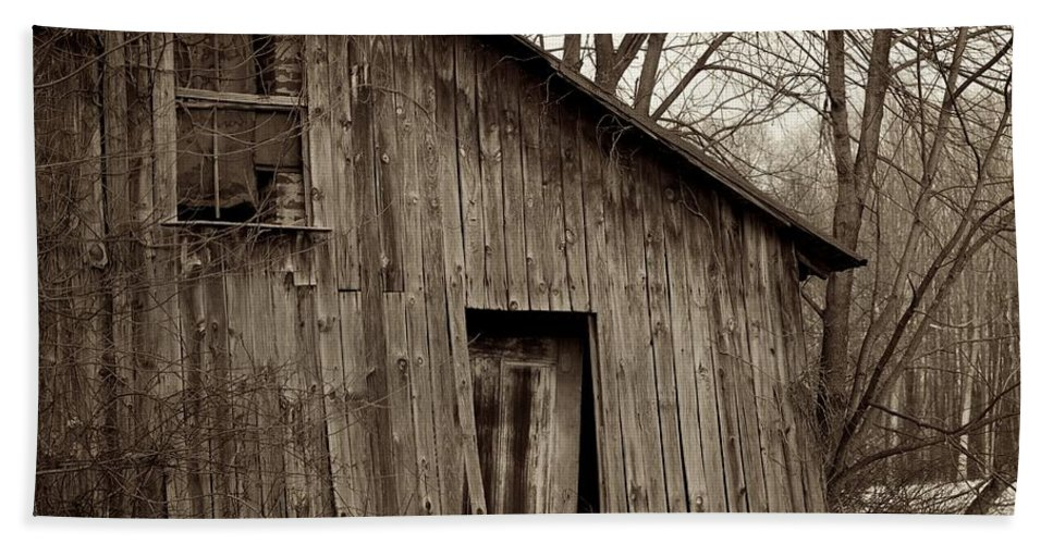 Square Bath Sheet featuring the photograph Abandoned Farmstead Facade by John Stephens