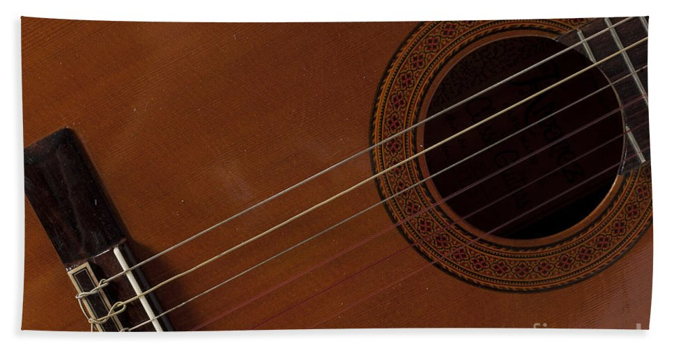 Abstract Bath Sheet featuring the photograph Acoustic Guitar 21 by Alan Look