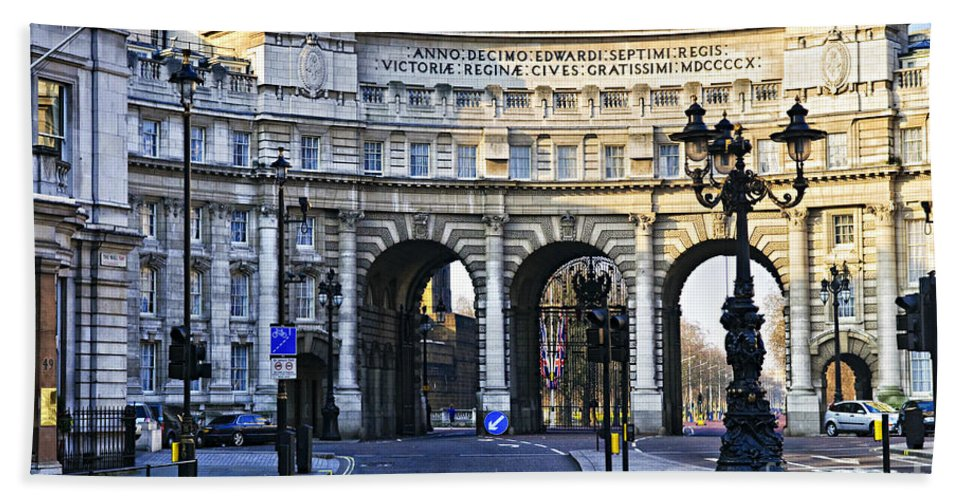 Admiralty Bath Sheet featuring the photograph Admiralty Arch In Westminster London by Elena Elisseeva