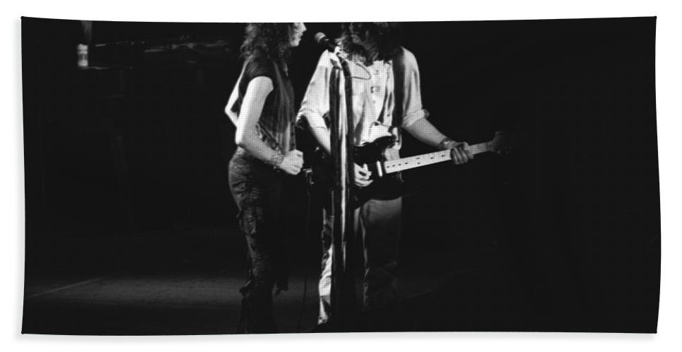 Aerosmith Bath Sheet featuring the photograph Aerosmith In Spokane 32 by Ben Upham
