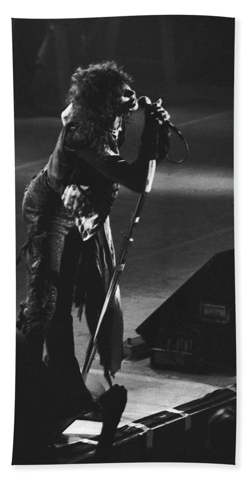Aerosmith Bath Sheet featuring the photograph Aerosmith In Spokane 5 by Ben Upham