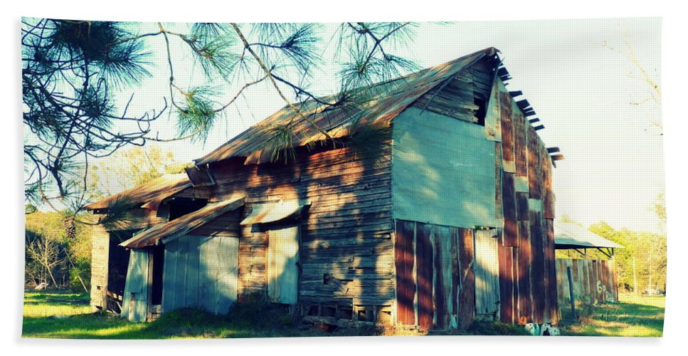 Barn Bath Sheet featuring the photograph Afternoon Light On Barn by Carla Parris