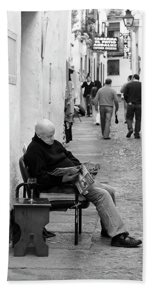 Cordoba Bath Sheet featuring the photograph Alley Stop by Lorraine Devon Wilke