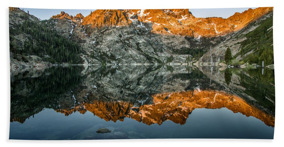 Sierra Bath Sheet featuring the photograph Alpenglow At Upper Sardine Lake by Greg Nyquist