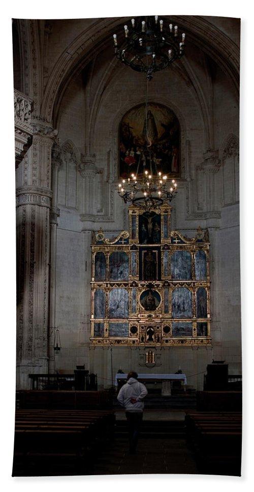 Toledo Bath Sheet featuring the photograph Altar Shadowed And Shining by Lorraine Devon Wilke