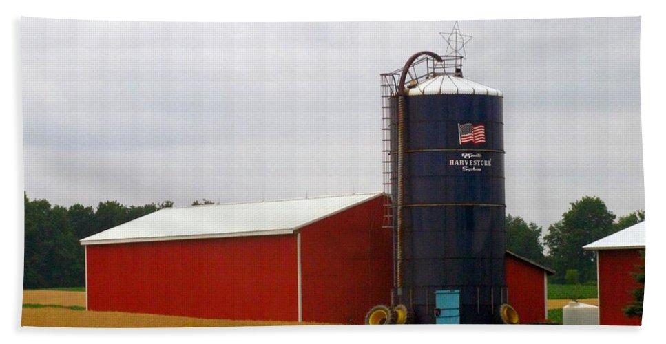 Farm Bath Sheet featuring the photograph American Farmland by Rhonda Barrett