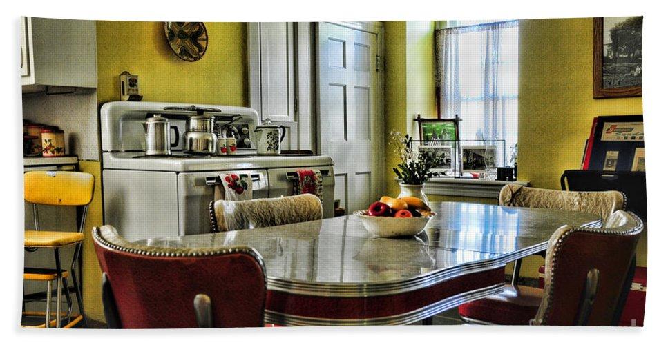 Paul Ward Bath Towel featuring the photograph Americana - 1950 Kitchen - 1950s - Retro Kitchen by Paul Ward