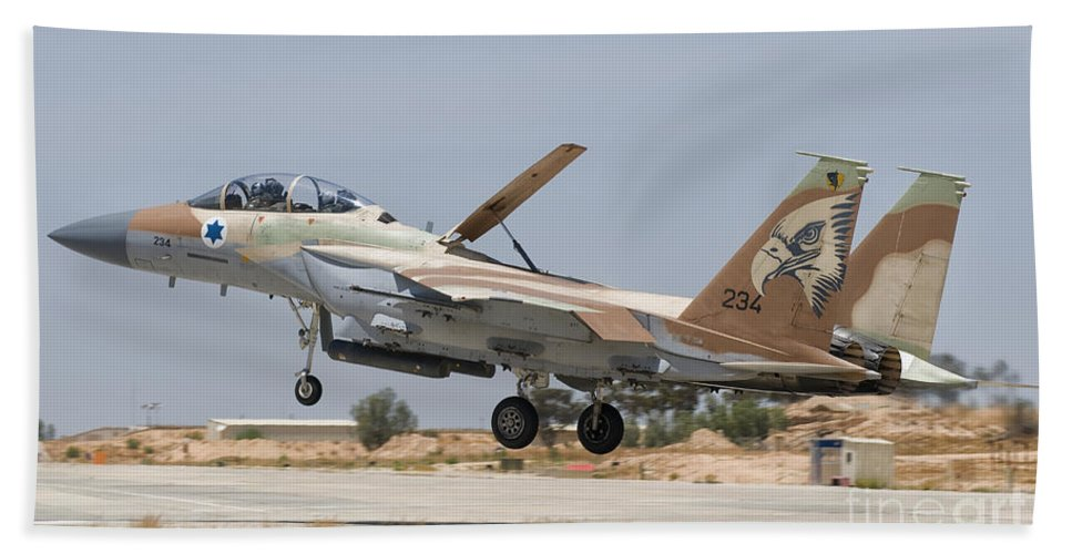 Israel Bath Sheet featuring the photograph An F-15i Raam Taking Off From Hatzerim by Giovanni Colla