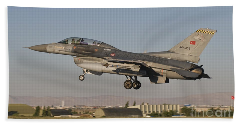 Turkey Bath Sheet featuring the photograph An F-16b Of The Turkish Air Force by Giovanni Colla