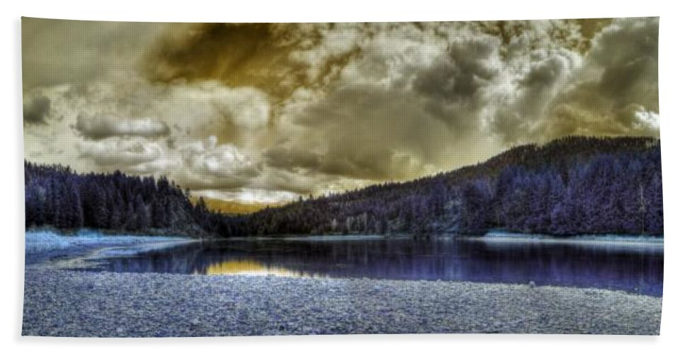 Digital Fantasy Bath Sheet featuring the photograph An Idaho Fantasy 3 by Lee Santa