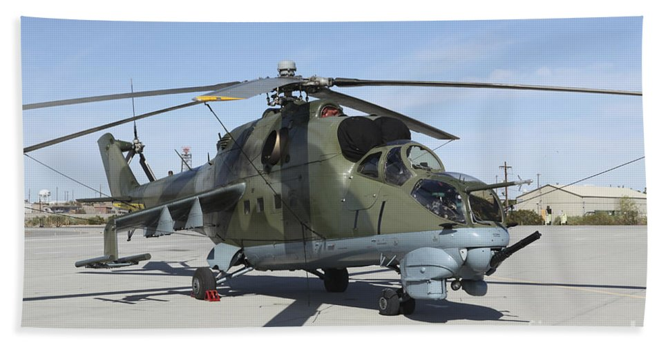 Horizontal Bath Sheet featuring the photograph An Mi-24 Hind Helicopter by Stocktrek Images