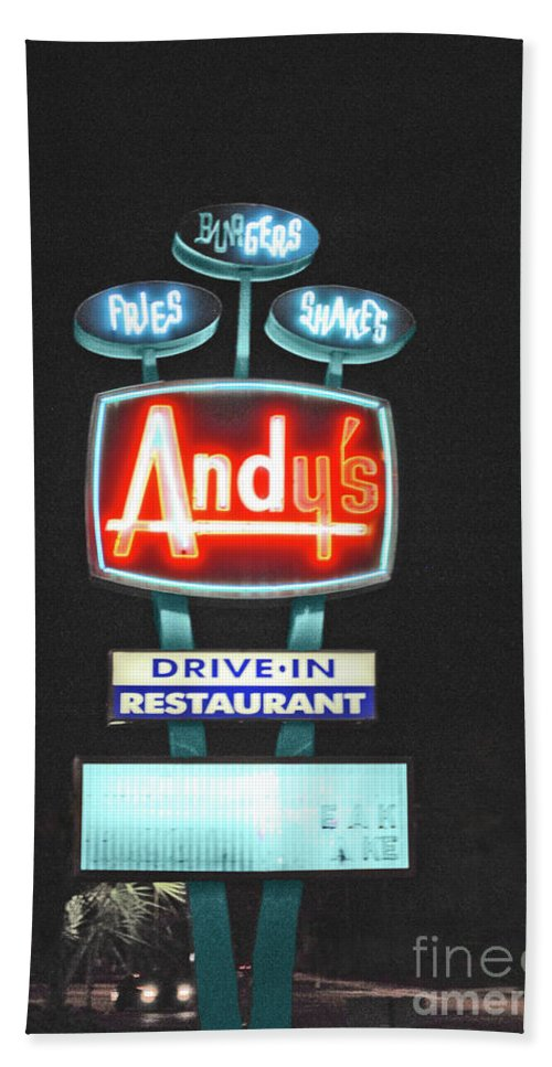 Andy Hand Towel featuring the photograph Andy's Drive-in by Jost Houk
