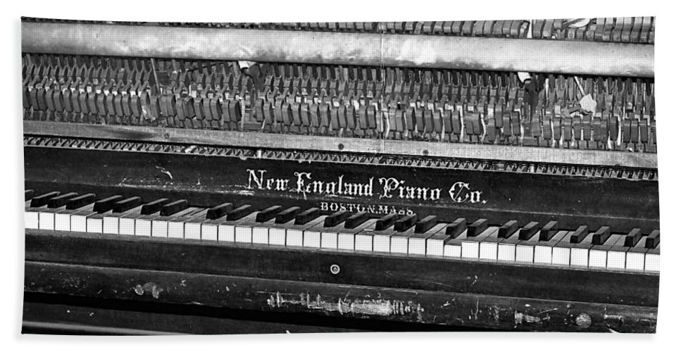 Piano Bath Sheet featuring the photograph Antique Piano Black And White by Phyllis Denton