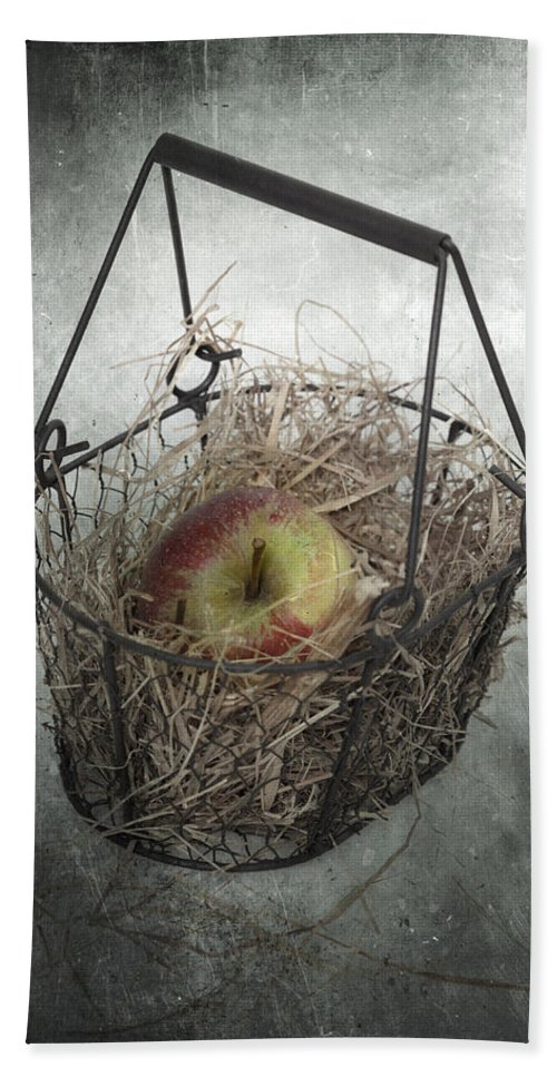 Basket Hand Towel featuring the photograph Apple by Joana Kruse