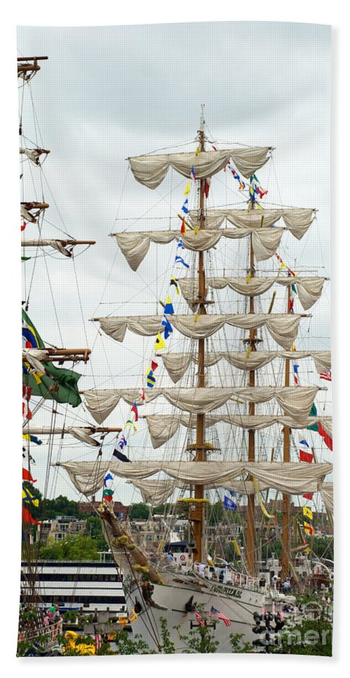 Baltimore Hand Towel featuring the photograph Arm Cuauhtemoc 5 by Mark Dodd