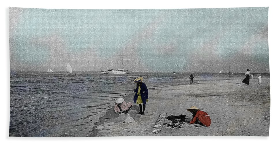 Victorian Bath Sheet featuring the photograph At The Beach by Andrew Fare