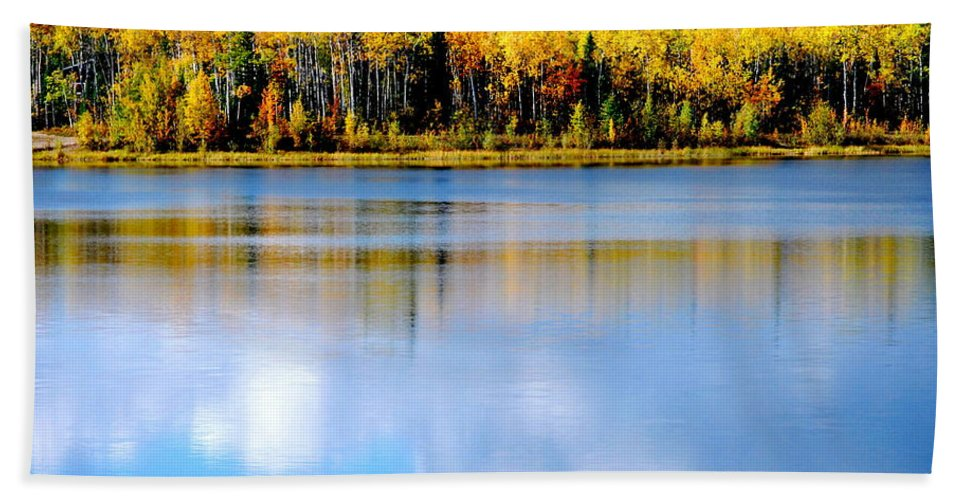 Water Hand Towel featuring the photograph Autumn On Chena Lake L by Kathy Sampson