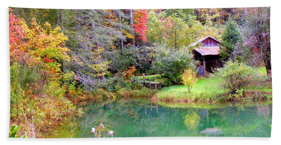 Barns Hand Towel featuring the photograph Barn And Pond In The Fall by Duane McCullough