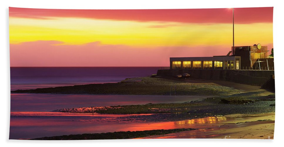 Architecture Hand Towel featuring the photograph Beach At Sunset by Carlos Caetano