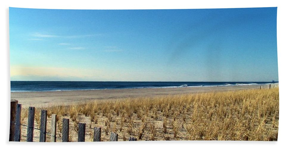Sky Hand Towel featuring the photograph Beaches by Art Dingo