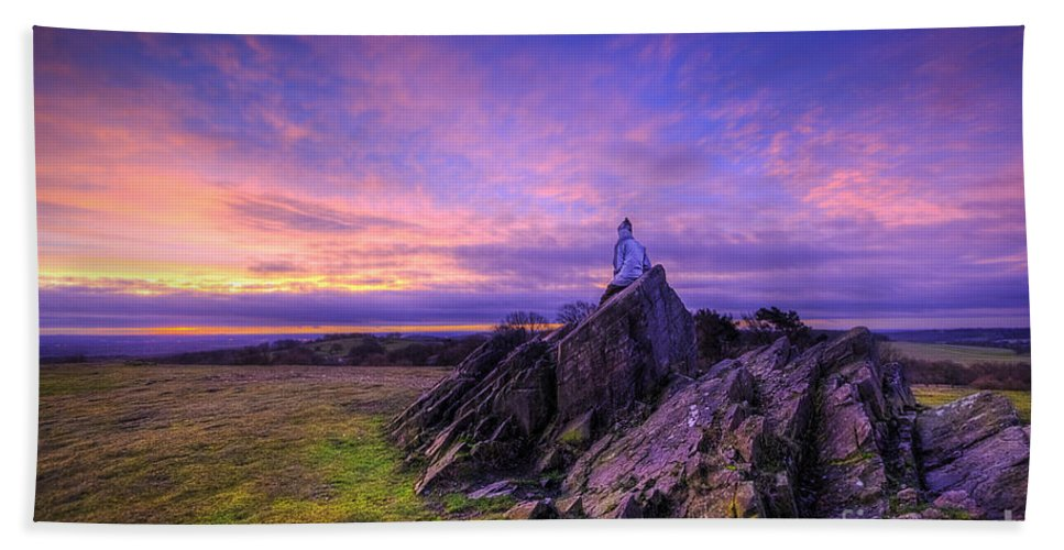 Art Bath Sheet featuring the photograph Beacon Hill Sunrise 2.0 by Yhun Suarez