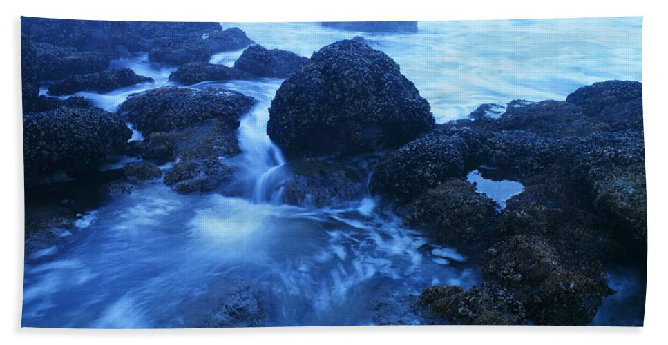 Ocean Hand Towel featuring the photograph Beauty In The Ebb And Flow by Jeff Swan