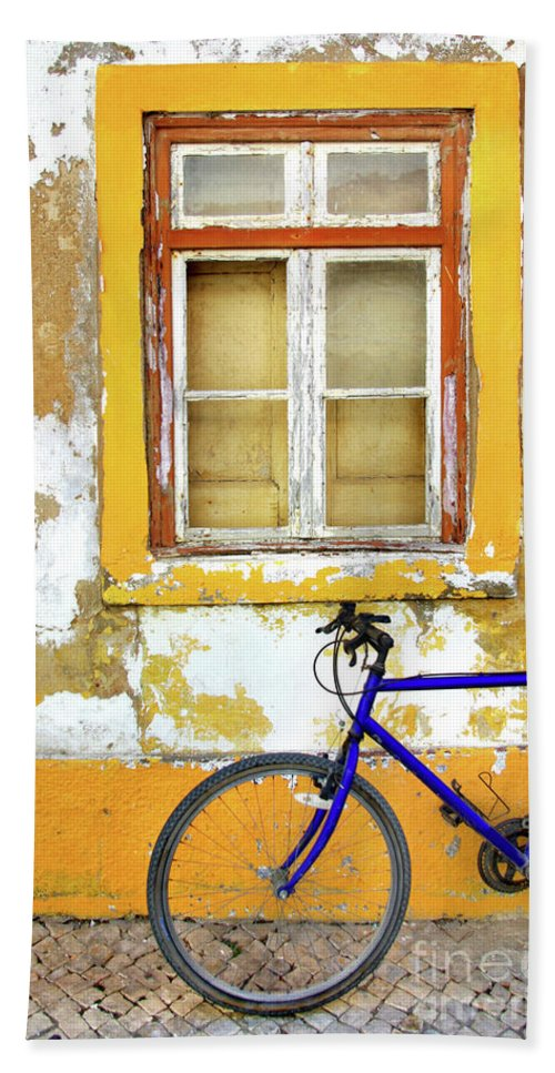 Aged Bath Towel featuring the photograph Bike Window by Carlos Caetano