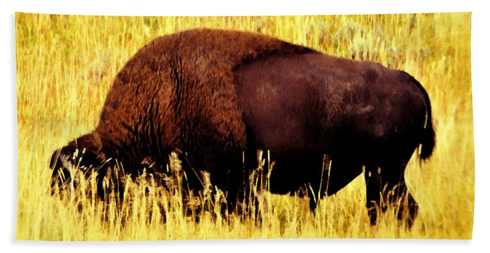 Art Bath Sheet featuring the painting Bison In Field by David Lee Thompson