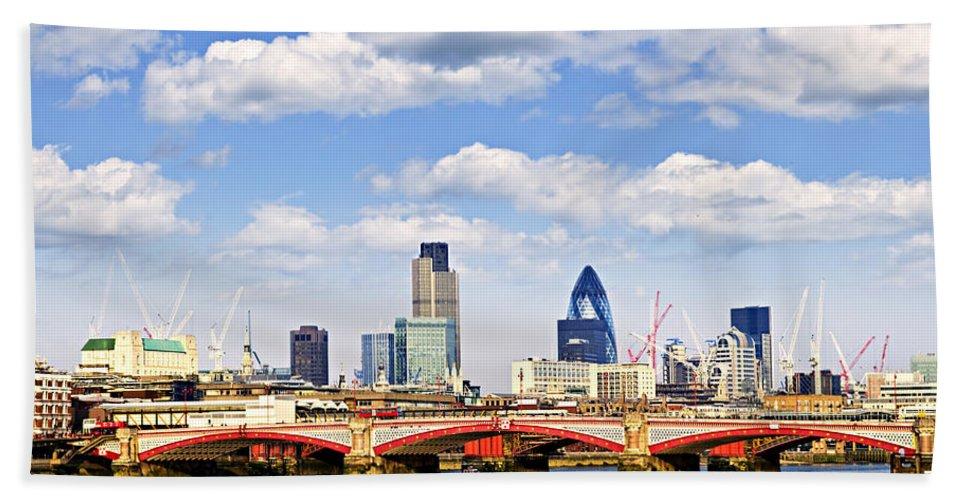 Blackfriars Bath Sheet featuring the photograph Blackfriars Bridge With London Skyline by Elena Elisseeva