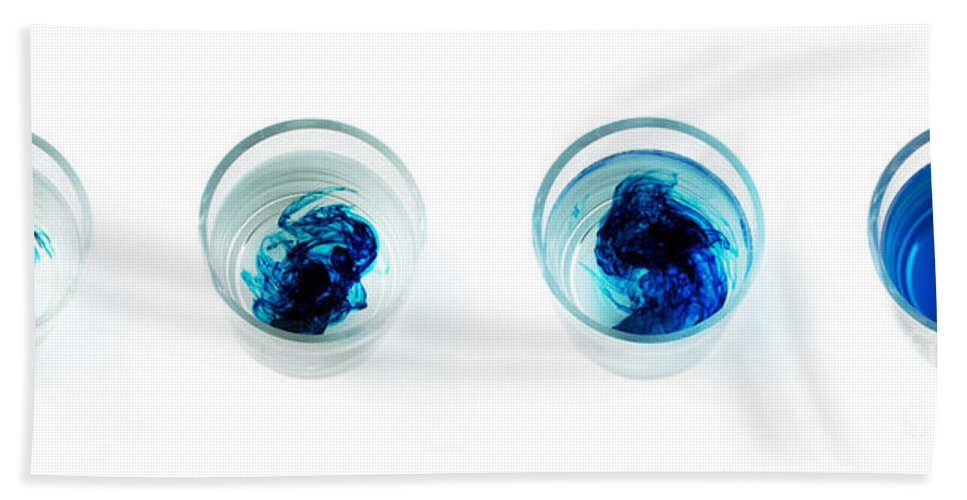 Settling Hand Towel featuring the photograph Blue Dye In Water by Photo Researchers, Inc.