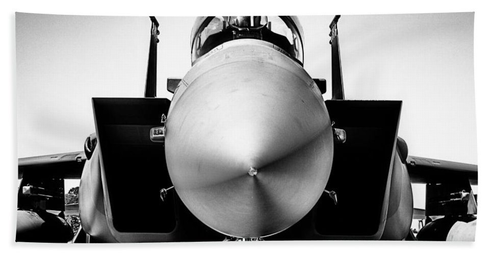 Boeing F-15sg Eagle Bath Sheet featuring the photograph Boeing F-15sg Eagle Black And White by Douglas Barnard