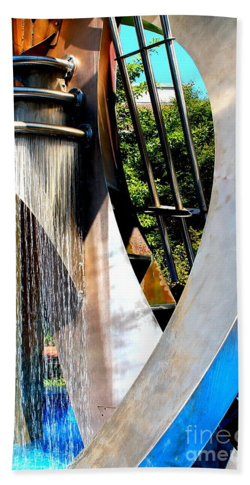 Architecture Hand Towel featuring the photograph Boyd Plaza Fountain II by Samantha Glaze