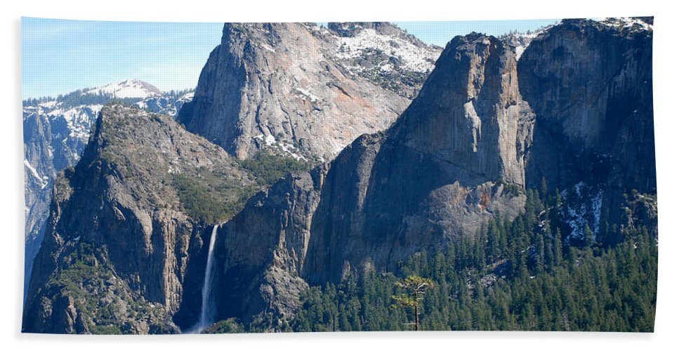 Yosemite National Park Hand Towel featuring the photograph Bridalveil by Eric Tressler