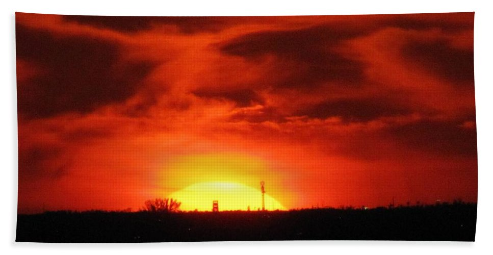 Sunset Hand Towel featuring the photograph Brilliant Goodbye by Keri West