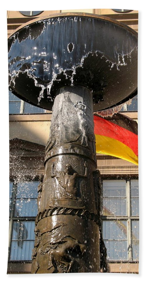 Fountain Hand Towel featuring the photograph Bronze Fountain by Christiane Schulze Art And Photography