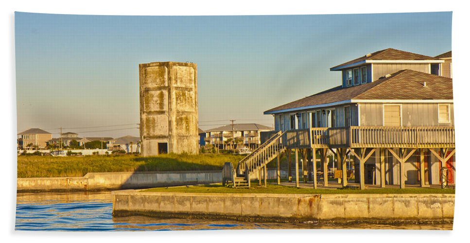 Topsail Bath Sheet featuring the photograph Bumblebee Tower 2 by Betsy Knapp