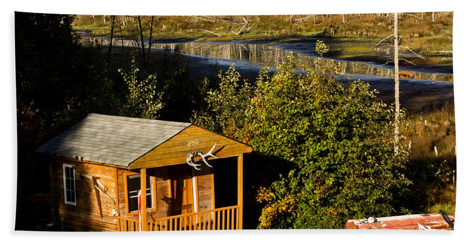 Cabin Bath Sheet featuring the photograph Cabin On The River by Cale Best
