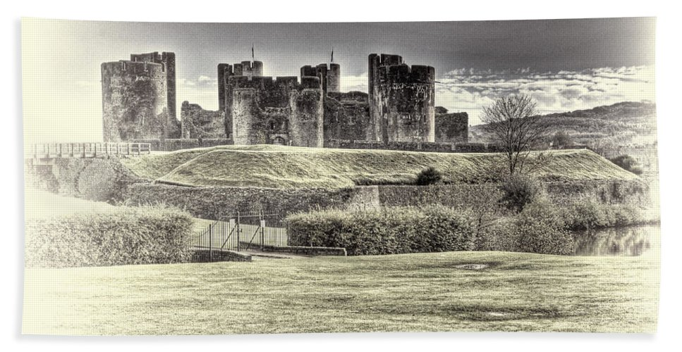 Caerphilly Castle Bath Sheet featuring the photograph Caerphilly Castle Cream by Steve Purnell