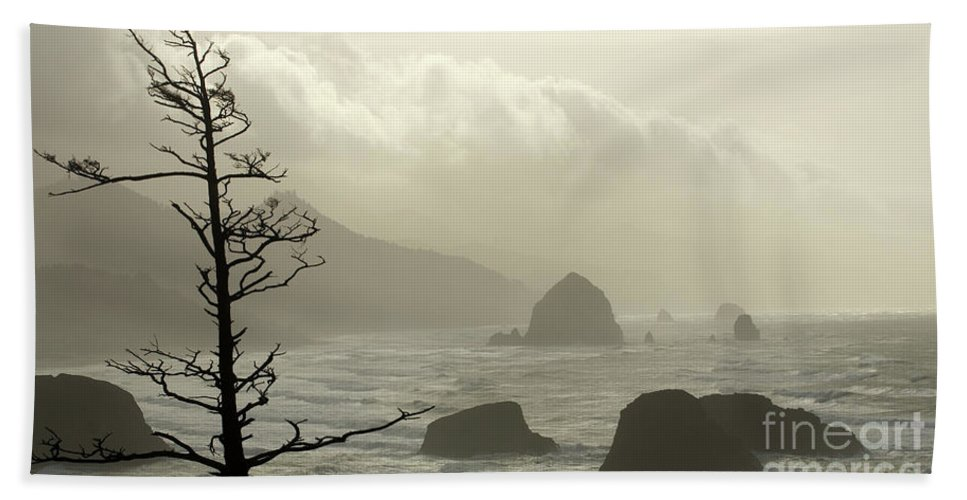 Pacific Ocean Hand Towel featuring the photograph Cannon Beach 2 by Bob Christopher