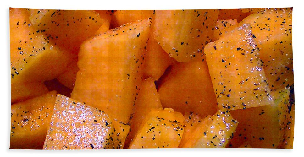 2d Hand Towel featuring the photograph Cantaloupe by Brian Wallace