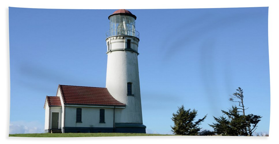 Pacific Ocean Bath Sheet featuring the photograph Cape Blanco Lighthouse 1 by Bob Christopher