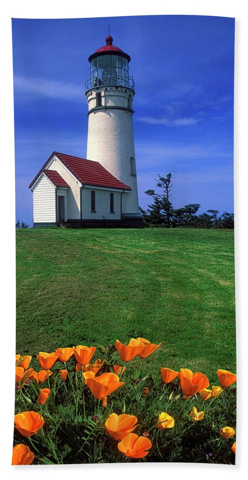 Cape Blanco Lighthouse Bath Sheet featuring the photograph Cape Blanco Lighthouse Oregon by Dave Mills