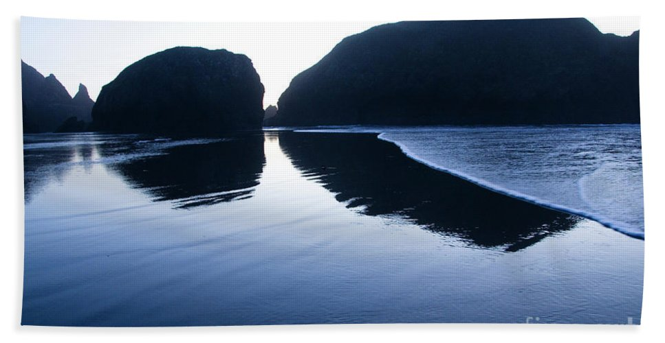 Pacific Ocean Hand Towel featuring the photograph Cape Sebastian by Bob Christopher