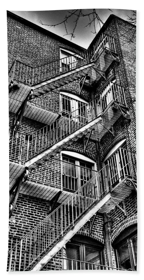 Fire Escape Bath Sheet featuring the photograph Cascade And Escape by Mark Valentine