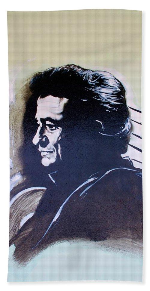 Johnny Cash Bath Towel featuring the photograph Cash by Rob Hans