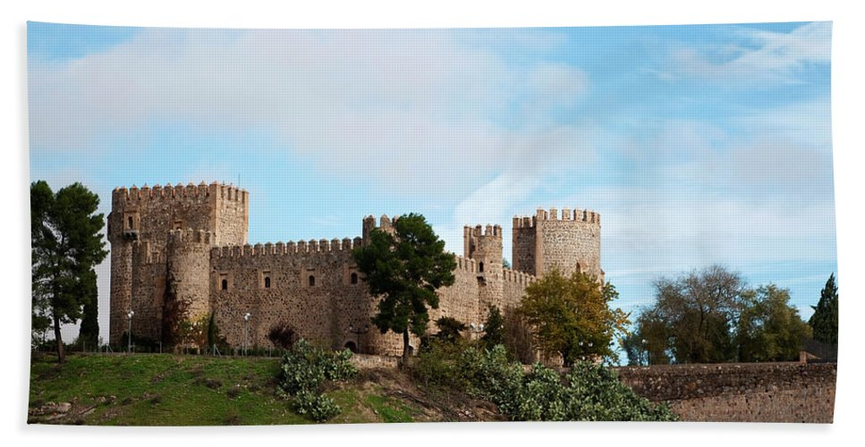 Toledo Bath Sheet featuring the photograph Castle In Sunlight by Lorraine Devon Wilke