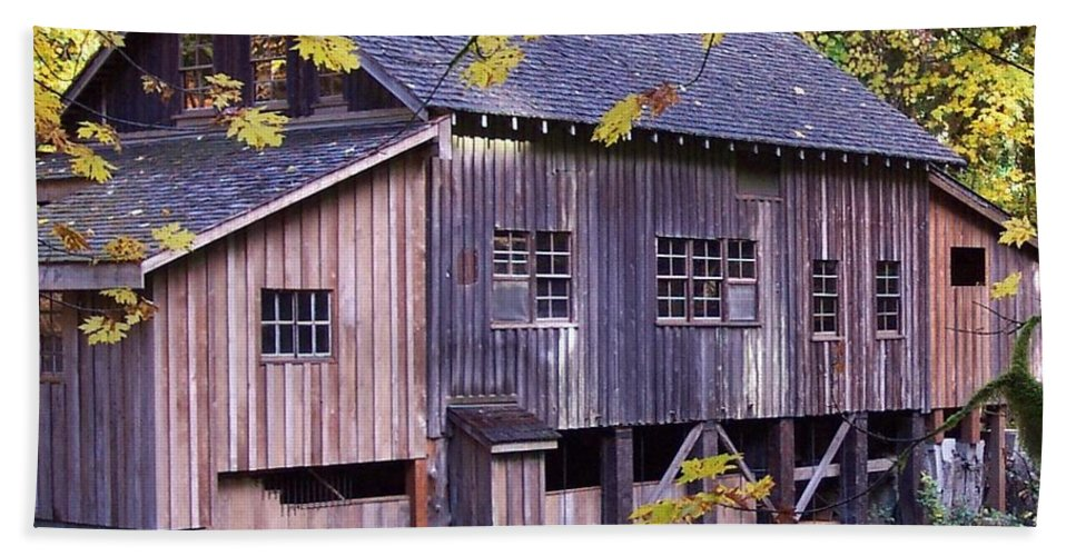 Cedar Creek Grist Mill In Autumn Bath Sheet featuring the photograph Cedar Creek Grist Mill In Autumn by Chalet Roome-Rigdon